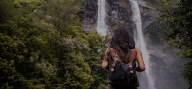 How to stay safe when travelling solo
