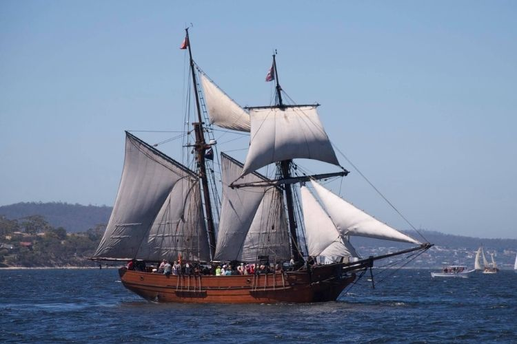 Sailing on the Enterprize - Click here to book